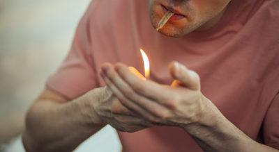 Cannabis steht für einen alternativen Lebensstil und ist besonders bei Jugendlichen und jungen Erwachsenen beliebt. Daniela Ludwig, Drogenbeauftragte der Bundesregierung, sieht diese Entwicklung kritisch. Ihrer Auffassung nach werden mögliche Folgen des Cannabis-Konsums verharmlost. Cannabis könne Leben ruinieren.